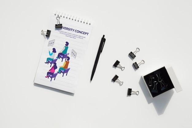 Concetto di scrivania con strumenti mock-up