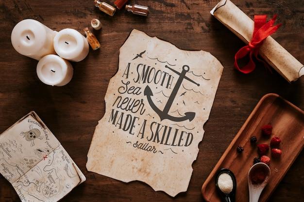 Concetto di vela d'epoca con spezie e pagina