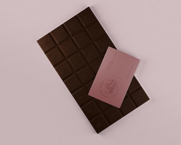 Confezione mock-up di carta e cioccolato