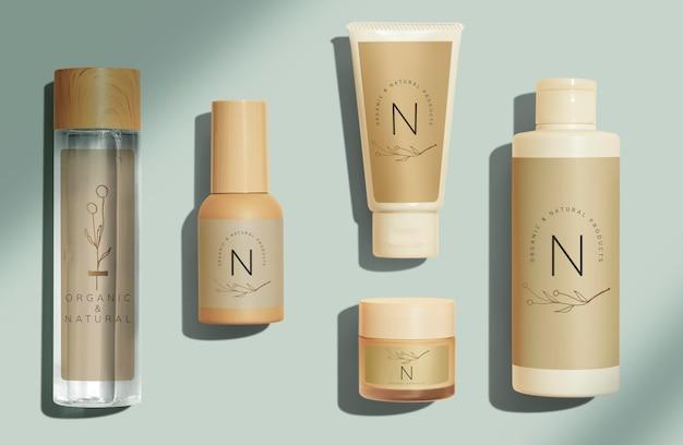 Conjunto de diseño de maquetas de productos de belleza.