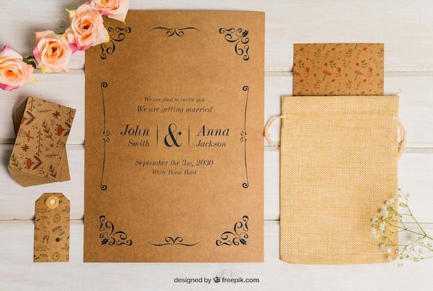 Conjunto floral de cartón para boda