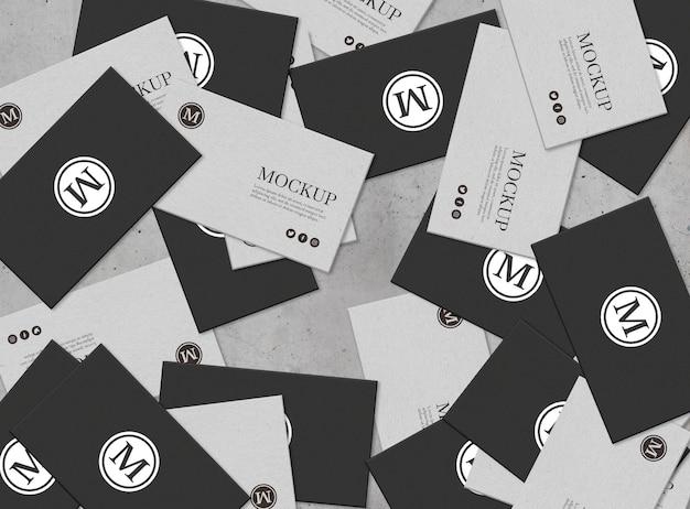Conjunto de tarjeta de visita con maqueta de composición desordenada