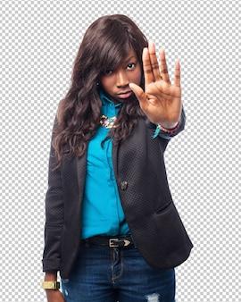 Cool stop-gebaar van de zwarte vrouw