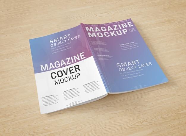 Copertina di una rivista su superficie di legno mockup