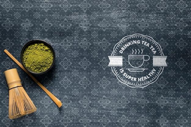 Copia espacio tazón con té verde
