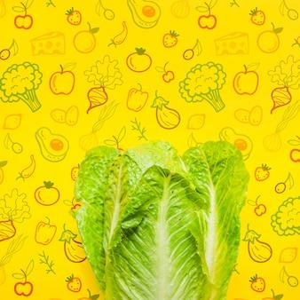 Copia-spazio con insalata fresca mock-up