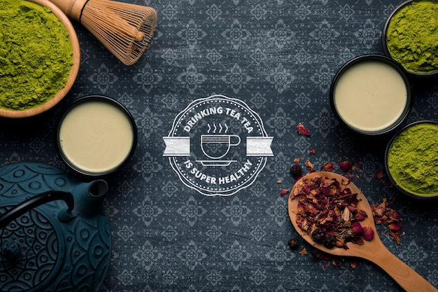 Copy-space thee en thee poeder op tafel