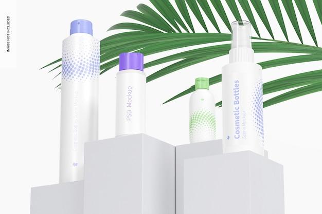 Cosmetische flessen scène mockup lage hoek bekijken