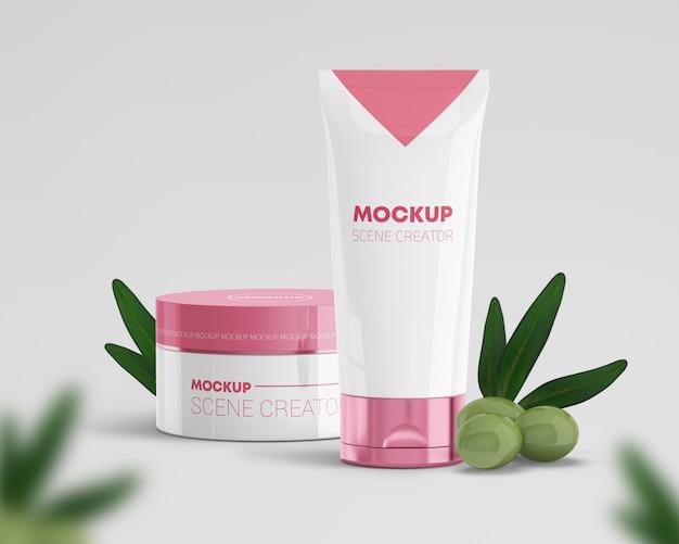 Creador de escena de productos cosméticos con aceitunas