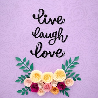 Creatief bloemenframe met inspirerend bericht