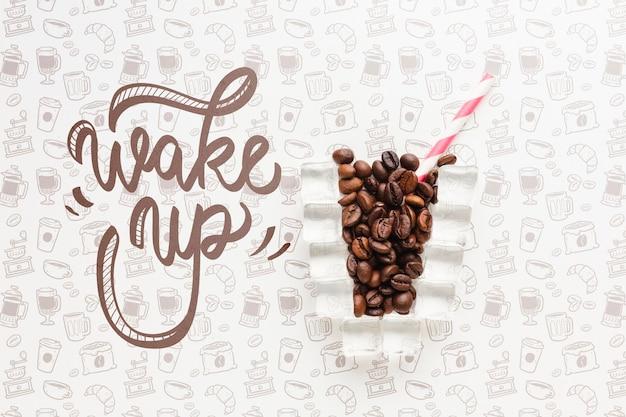 Creatief koffieglas voor elegante achtergrond
