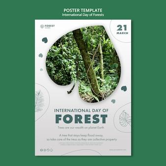 Creatieve bossen dag folder sjabloon met foto