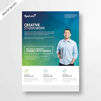 Creatieve & moderne studio werk flyer-sjabloon