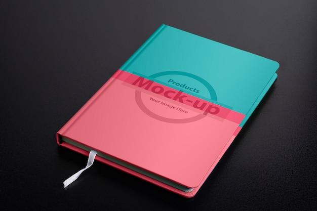 Cuaderno diario planificador cerrado con maqueta de páginas de objetos inteligentes