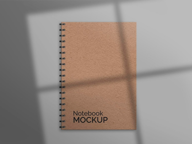 Cuaderno natural con maqueta de sombra