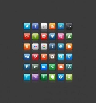 Cuadrados iconos de color de muchos sitios sociales
