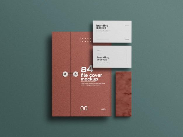 Cubierta de archivo de papel artesanal a4 con maqueta de tarjeta de visita