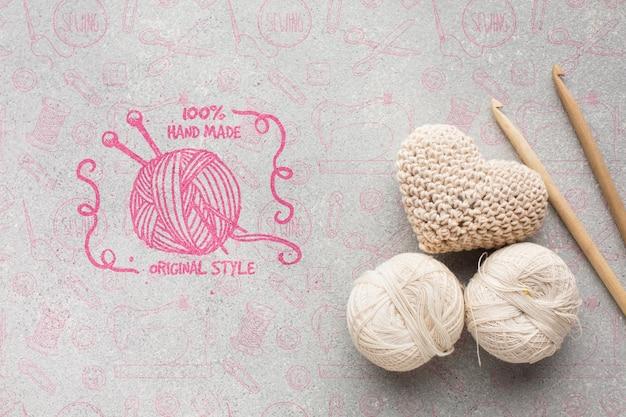 Cuori lavorati a maglia con mock-up