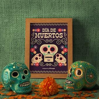 Dag van het dode traditionele mexicaanse bloemenschedels vooraanzicht