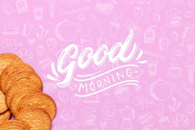 Deliciosas galletas para el desayuno en la mesa