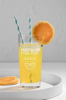 Delicioso maqueta de concepto de jugo de desintoxicación