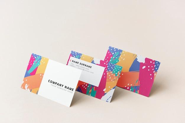 Design colorato mockup biglietti da visita