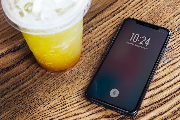 Design del mockup dello schermo del telefono cellulare