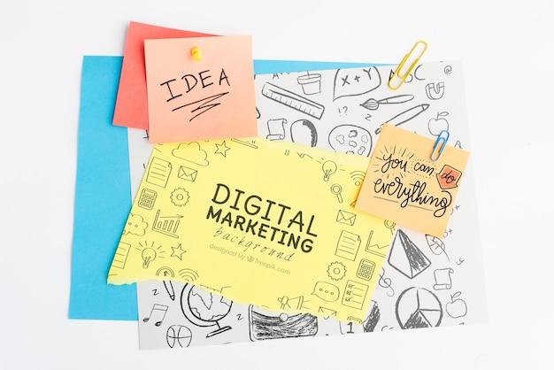 Digitale marketing achtergrond en concept idee op post-it met doodles