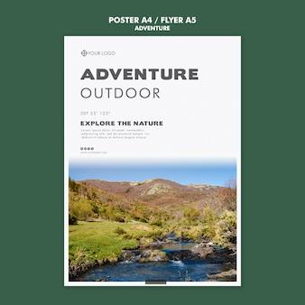 Disegno del modello di poster di avventura