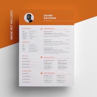 Diseño de currículum simple con concepto naranja
