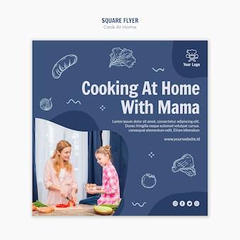 Diseño de flyer cuadrado cocinando en casa