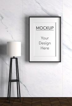 Diseño interior con lámpara y marco.