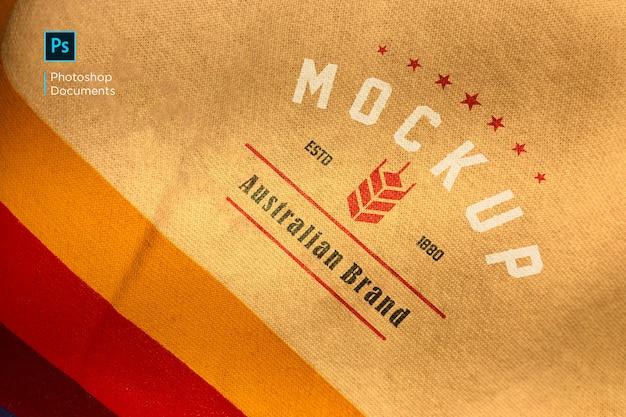 Diseño de maqueta de logotipo impreso en tela