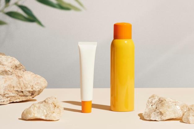 Diseño de maqueta de producto de embalaje de protector solar.