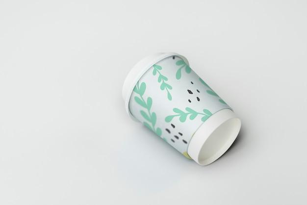 Diseño de la maqueta de la taza de café para llevar