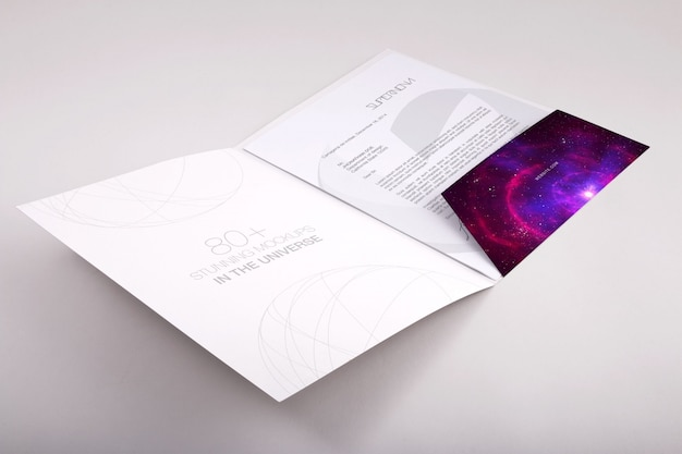 Diseño de mock up de carpeta