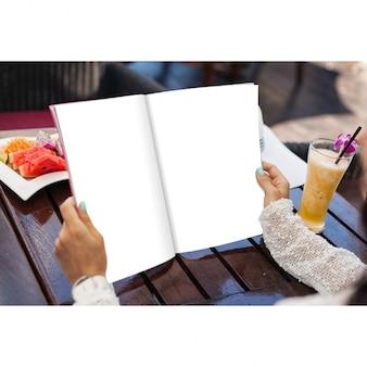 Diseño de mock up de libro