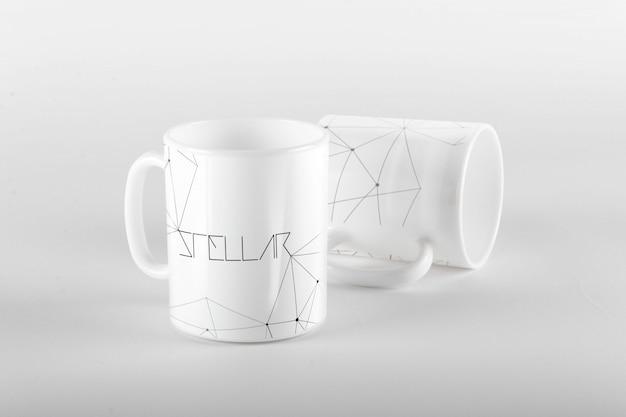 Diseño de mock up de taza