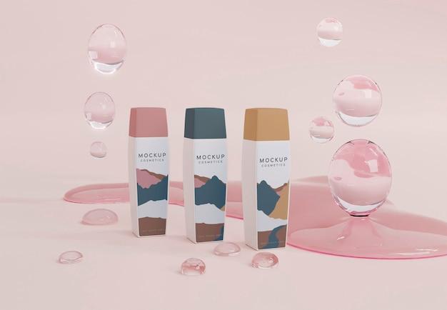 Disposición de burbujas y envases cosméticos.