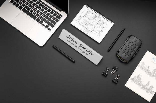 Disposición de escritorio de diseñador gráfico