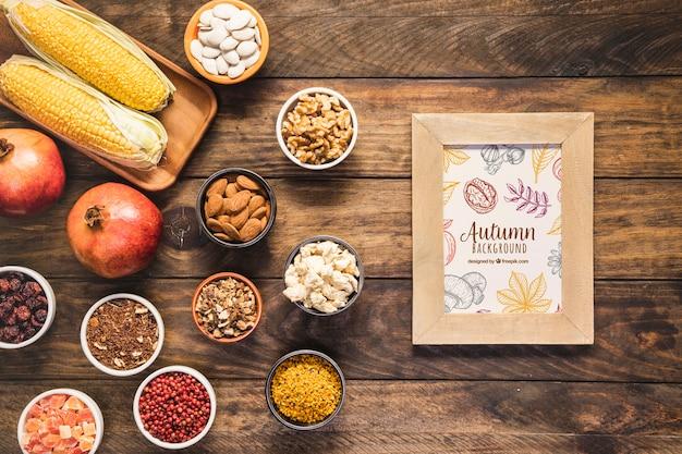 Disposición plana de deliciosa comida de otoño