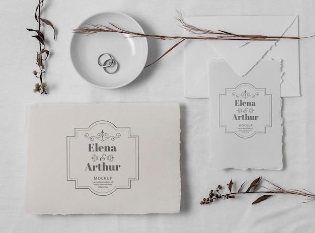 Disposición de las tarjetas de boda.