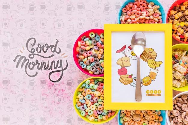 Disposizione piana di disposizione di ciotole e cornice di cereali