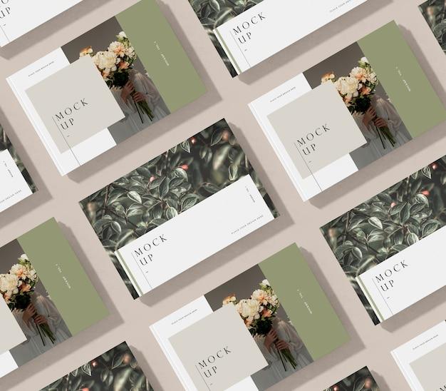Disposizione vista dall'alto della rivista editoriale mock-up