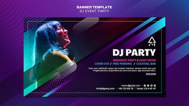 Dj party mujer con banner de auriculares