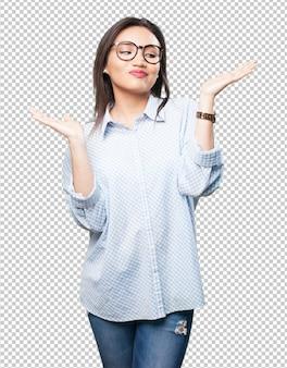 Donna asiatica che fa gesto di equilibrio