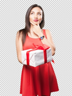 Donna asiatica che tiene un regalo