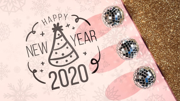 Doodle dibujo con sombrero de fiesta para año nuevo 2020