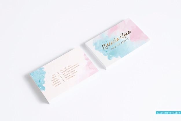 Dos pilas de tarjetas de visita