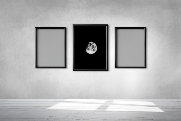 Drie frames op een muur